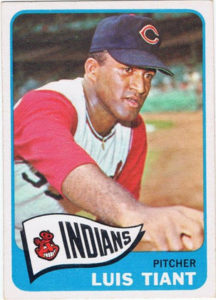 Luis Tiant rookie card